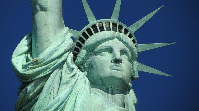socha svobody.jpg